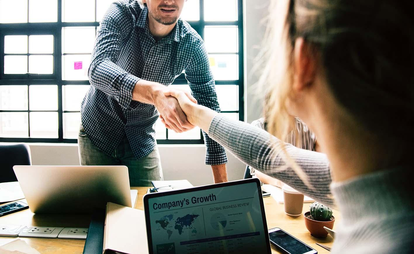 Pourquoi bien choisir ses bureaux est important pour le recrutement