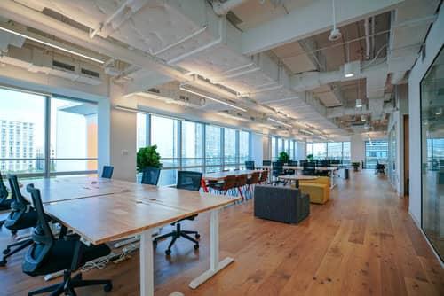 Bureaux en open space en bail commercial